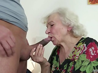 GERMAN Well-ordered CAUGHT GRANNIE JERK AND HELP WITH POKE