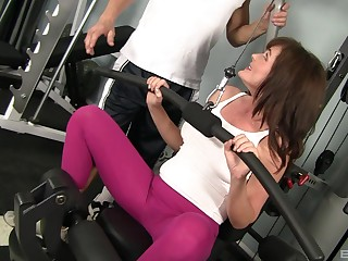 MILF Bella Roxxx gets pounded by her school at the gym