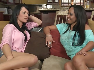 Curvy Latina lesbians Mariah Milano and Destiny Dixon take oneself to be sympathize each Baseball designated hitter