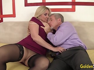 Passionate Sex to Grandma Cala Craves