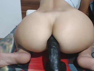 Huge booty dildo ride