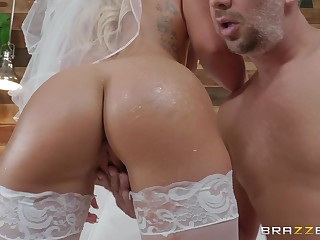 risible and wild bride Cali Shipper enjoys hardcore fuck with a stranger