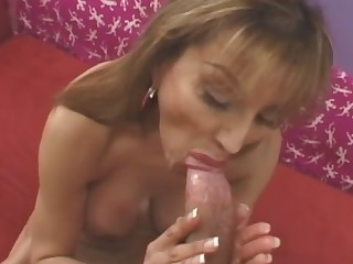 Extremely chap-fallen looking milf pleases a chubby cock