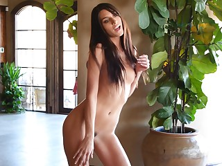 Skinny amateur Dana dances around the accommodation billet only everywhere high heels