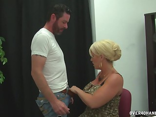 Nude cougar with enormous tits, premium handjob in a sensual play